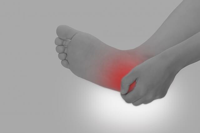 足底筋膜炎の症状と治療方法について